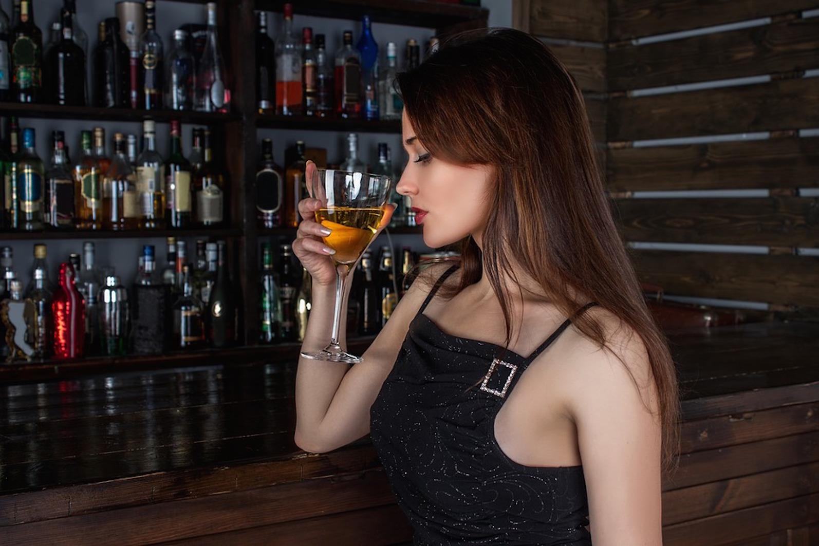 blasenentzuendungheilen blasenentzündung heilen blasenentzündung getränke meiden alkohol kaffee schwarztee kohlensäure softdrinks cystitis harnwegsinfektion harnwegsinfekt