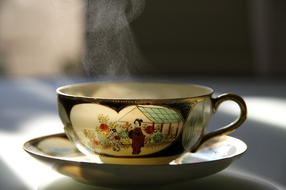 gruentee-bei-blasenentzuendung cystitis harnwegsinfekt natürliches Antibiotikum Grüner Tee